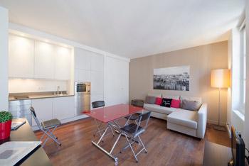 Apartment Marais Le Compte
