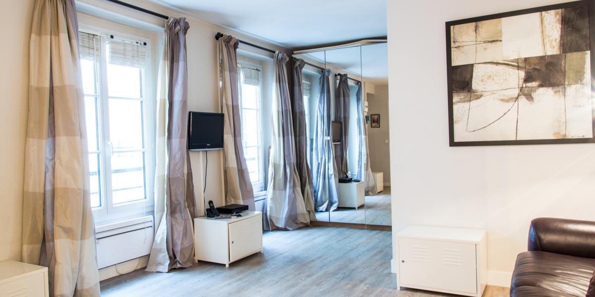 Paris apartment rentals Marais Rosiers | furnished 1 bedroom rental ...
